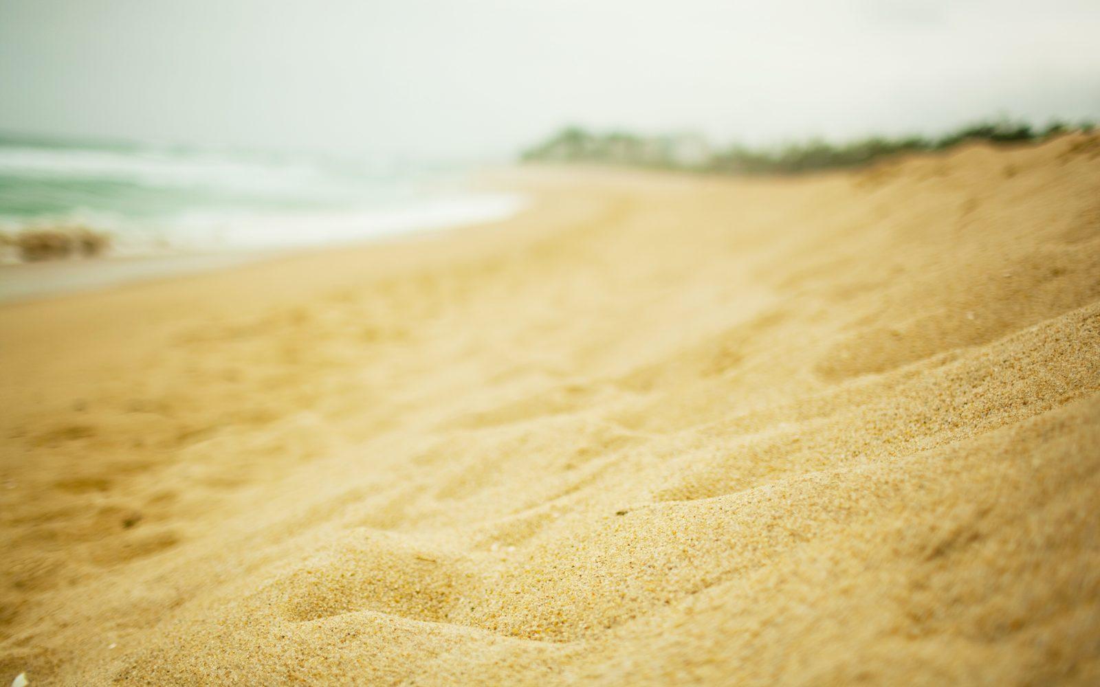 sand_particles_embankment_beach_60825_3840x2400